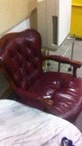 休憩室のソファ