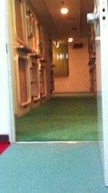 カプセルルームの廊下