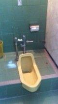 男子トイレ2