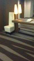 エレベータ前の椅子