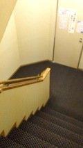 ホテル内の移動は階段