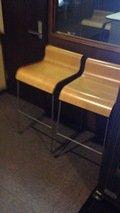 喫煙室の椅子