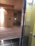 エレベーターの中から