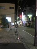 夜のホテル前