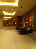 1階の宴会場への廊下