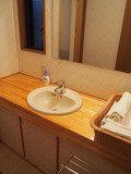 洗面台。タオルはこちらに用意
