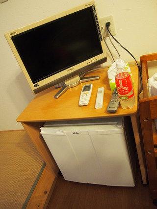 部屋の大きさのわりに、テレビがちょっと小さいかな~