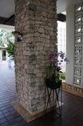 ホテルの柱