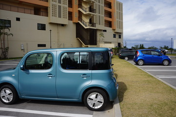 ホテルの裏の駐車場