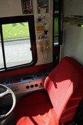 バスの運転席2