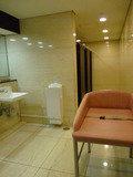 トイレは綺麗にリノベーションされてます。
