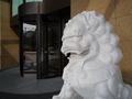 ホテル入口の守護神