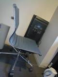 ホテルの椅子です
