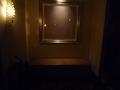 廊下にも絵は飾ってあります。