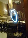 お風呂の丸い鏡