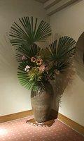 本館廊下にある花瓶