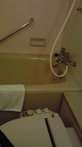 部屋のお風呂と洗浄機能付きトイレ
