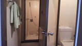 洗い場付バスルームとトイレ