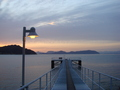 ホテル専用桟橋の夜明け