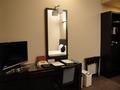 モノトーンでまとめられたシャープなイメージの部屋