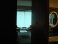 入口から室内を撮影