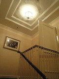 クラブフロアとクラブラウンジをつなぐ階段