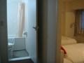 浴室とベッドの位置関係