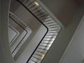 ぐるぐる周る階段