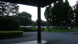 ホテル入口から駐車場を撮影