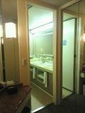 バスルームへの扉