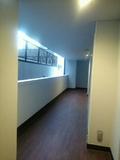 廊下はマンションの廊下状態