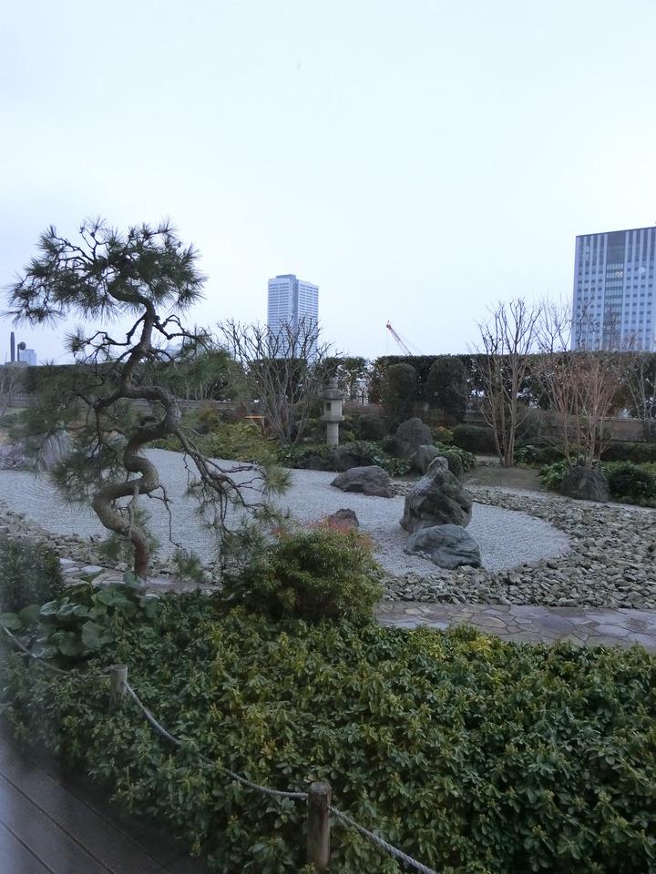 12階になんと日本庭園