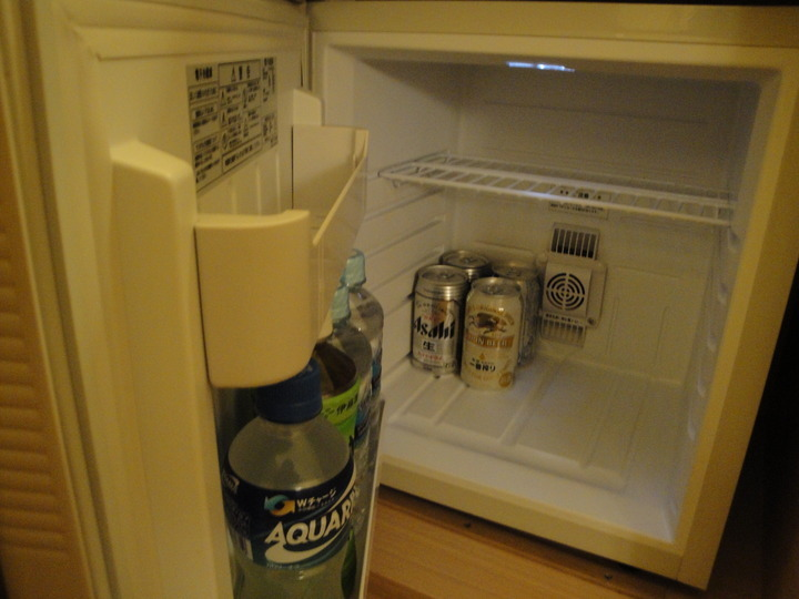 最近は珍しい中身入りの冷蔵庫