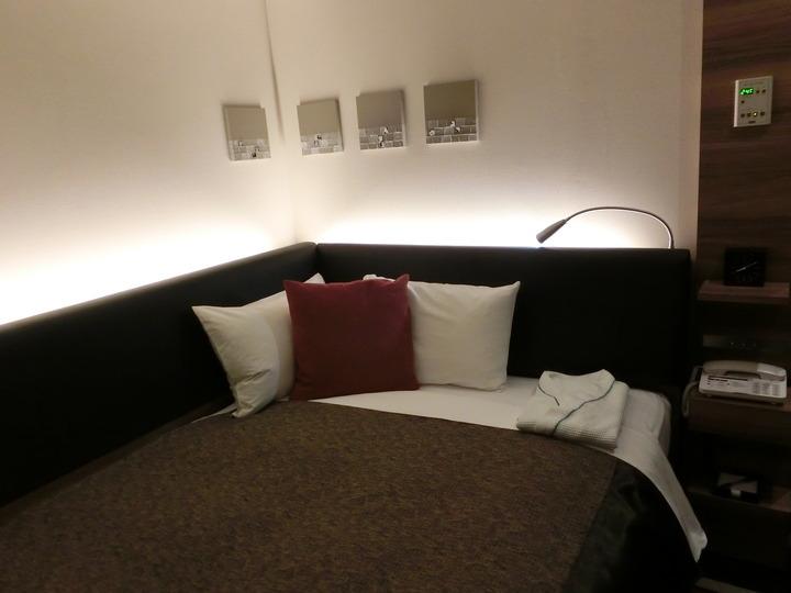 おしゃれな印象のベッド