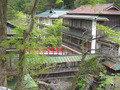 赤い橋が印象的な、大正ロマンなお宿。