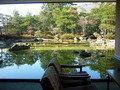 1階ロビーからの日本庭園