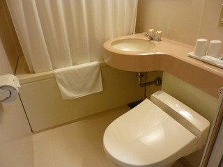 ユニットバスとトイレは清潔。