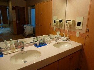 大浴場内の洗面スペース