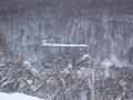 スキー場からホテルを見る