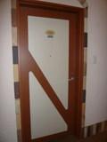 部屋のドアは