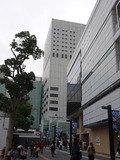 右手の川崎BE沿いを歩いて右手のビルです