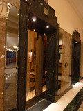 ホテル1階のエレベーター
