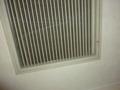 部屋のドアーの上の空調