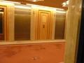 本館 宿泊階のエレベーターホール
