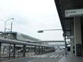 大阪空港(伊丹空港)JAL出口のバス停付近