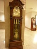 歴史がありそうな柱時計