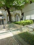 中庭(パンジーの花壇)