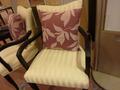 宴会場ロビーの椅子
