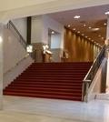正面玄関ロビーの大階段