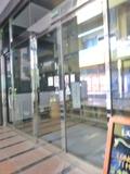 ホテル入口の自動ドア(2重ドアです)